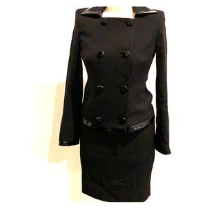 Black Elle Tahari suit
